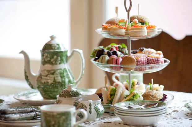 Heel trendy: een High tea tafel
