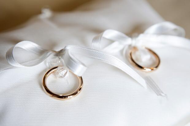 De traditie en symboliek van  trouwringen