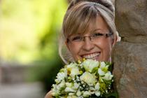 Bruidsvisagie met brillen
