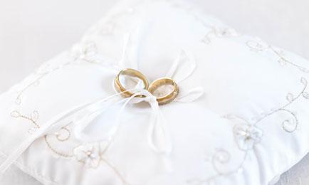 bruidsaccessoires_bruidskussen_ringen