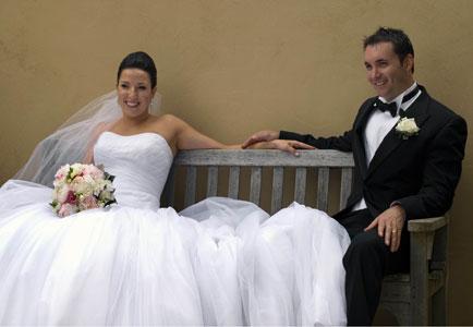 bruidsfotograaf_stel_op_bank