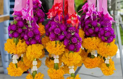 decoratie_traditie_bloemenslingers